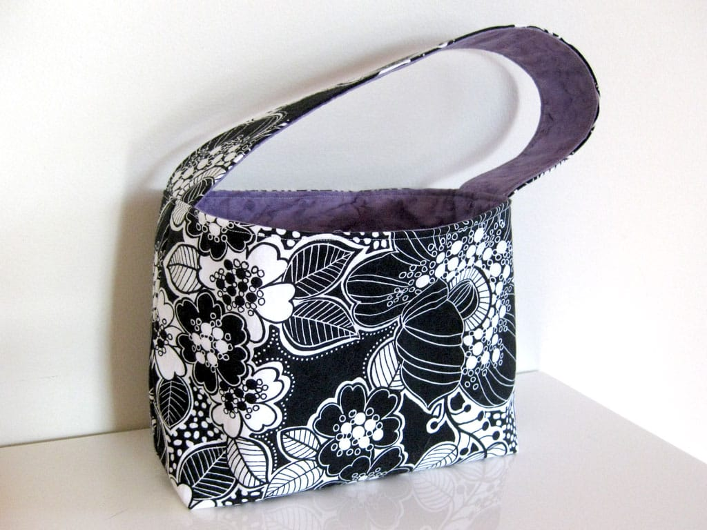A black and purple bag I sewed.